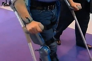 Man Takes First Steps in 20 Years With Robot ExoSkeleton [VIDEO]