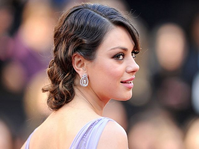 Mila Kunis Says Being Friends with Benefits Is No Better Than Communism [PHOTO]